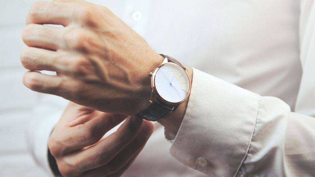 slim watches for men buying guide